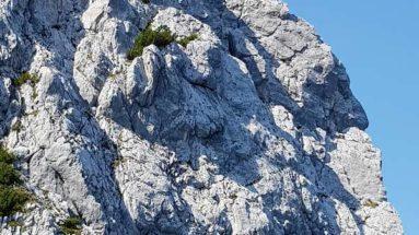 Selbstbewusstsein aufbauen- wie ein Fels stehen